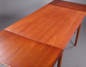 ubekendt dansk m bel arkitekt producent 1960 erne spisebord med hollandsk udtr k af eg og. Black Bedroom Furniture Sets. Home Design Ideas