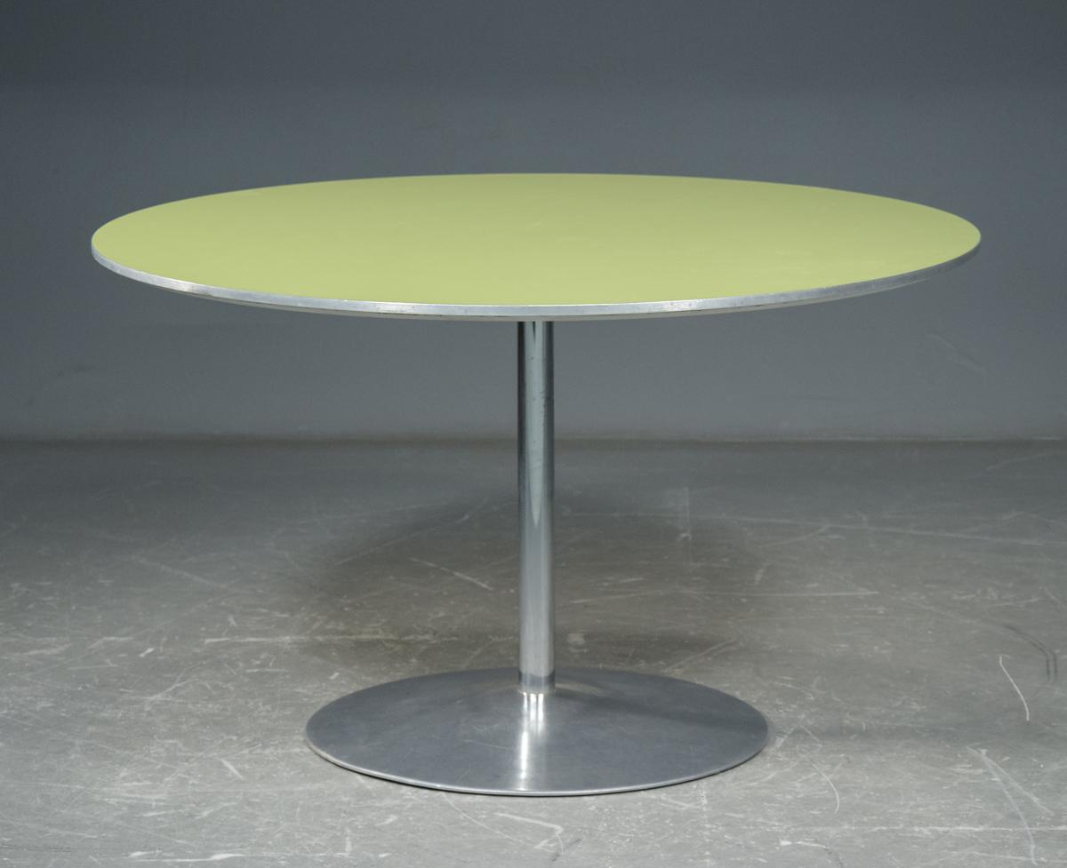 Arne Jacobsen Verner Panton, rundt bord med grønt laminat