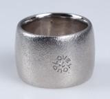 Ole Lynggaard. 'Love You' ring, 18 kt. satin-finish white gold, brilliant-cut diamond