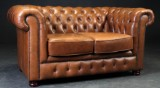 Chesterfield. To-pers. sofa