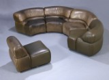 De Sede. Modular lounge sofa, Model 'Cosmos', green buffalo leather, five modules (5)