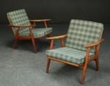 Hans J. Wegner. Par lænestole af teaktræ, model GE-270 (2)