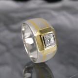 Platinum and Gold ring, prestige diamond approx. 0.63 ct.