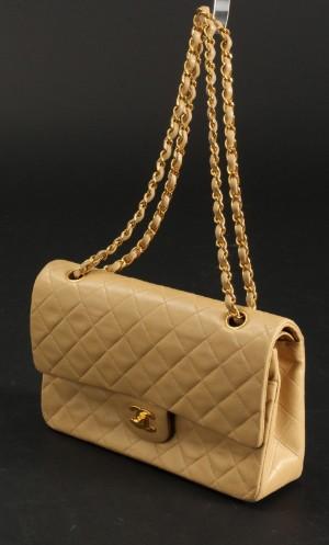 e651d2f9837f53 Chanel. Vintage shoulder bag, Model Classic flap, medium. Beige lambskin