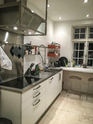 Boffi og Foster. Større køkken inklusiv ovn, industriarmatur m.m. | Lauritz.com