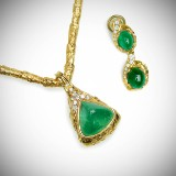 Arne Blomberg. Jewellery set, 18k gold, with emeralds and diamonds