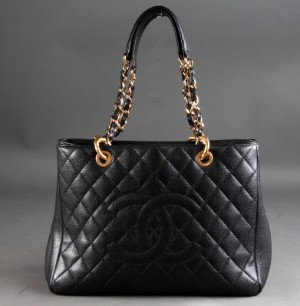 c0de2893e27e82 Chanel. Shoulder bag, Model GST, in black quilted caviar leather This lot  has been put up for resale under the new lot no. 5113056 | Lauritz.com