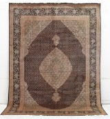 Carpet, Tabriz with silk outlines, known as Mahi, Persia, 365 x 250