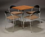 Vico Magistretti. m.fl. Fire spisestole samt cafebord (5)