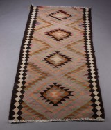 Kaukasisk kelimtæppe, 283 x 130 cm.