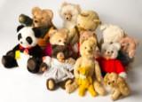 Konvolut Tiere / Kuscheltiere, Teddybären, u.a. Steiff