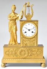 Fransk empire taffelur i forgyldt bronce ca. år 1810