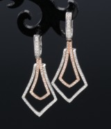 Brilliant-cut diamond earrings, 14 kt. white and pink gold (2)