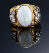 Mario Buccellati. Opal- og diamantring af 18 kt. guld, ca. 1950'erne