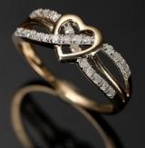 Diamantring, 9 kt guld med 0.25 ct diamanter