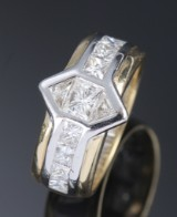 Ring, 18 kt. gold and white gold, princess-cut diamonds, total approx. 1.28 ct., approx. 8.8 g