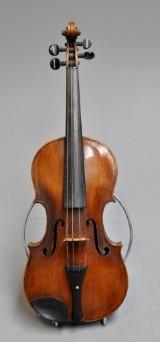 Gammel violin, håndbygget