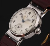 Rolex. Vintage mid-size watch, steel with separate second hand, c. 1941
