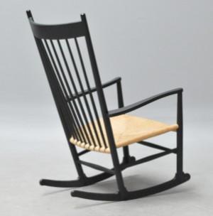 Hans J. Wegner. Gyngestol model J16 | Lauritz.com