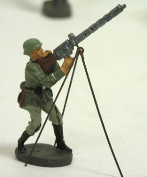 Elastolin samt lineol figurer. tysk hær. (64)