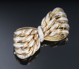 Giovanni Varona. Vintage diamond brooch, 18 kt. gold and white gold, total approx. 0.76 ct. Weight approx. 20.3 g. Valenza, 20th century-second half