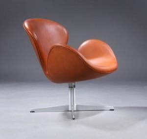 ottima vestibilità nuovo massimo sempre popolare Arne Jacobsen. 'The Swan', upholstered in cognac-coloured ...
