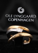 Ole Lynggaard. Brilliant-cut diamond solitaire ring, 14 kt. gold and white gold