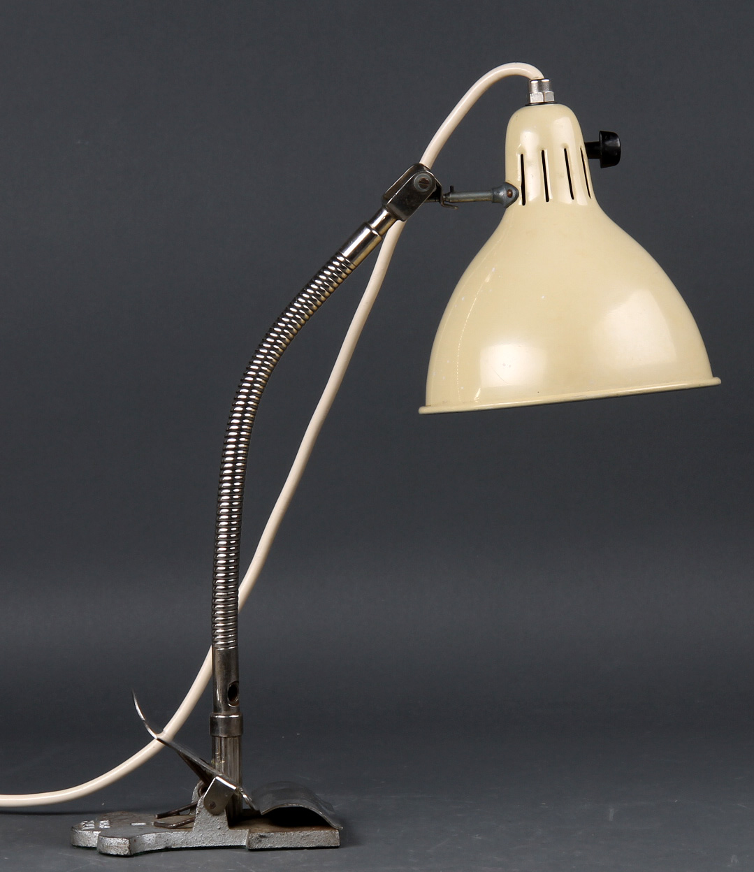 Picture of: Lampe Med Multifunktionsophaeng Bord Vaeg Klemme Lauritz Com