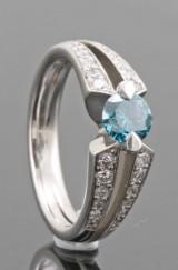18kt. diamond ring approx. 0.84ct