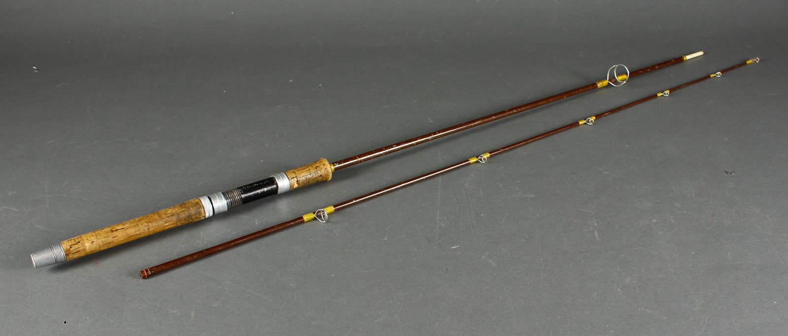 Hardy Made in England Favourite graphite spinning fiskestang - Hardy Made in England Favourite graphite spinning fiskestang,længde 213 cm, Fremstår med aldersrelateret brugsspor