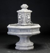Springvand/fontaine løvemotiv