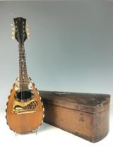Italienische Mandoline mit Kasten (2)