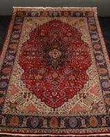 Persisk tæppe, 240 x 345 cm.