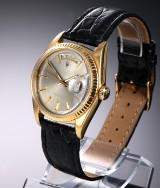 Rolex 'Day-Date'. Vintage herreur i 18 kt. guld med sølvfarvet skive, ca. 1971