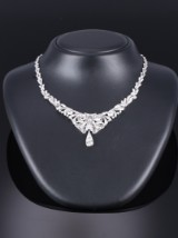 Diamond necklace in platinum. total approx. 13.50 ct. C. 1910