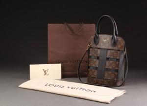 9d9d2b309e1e Louis Vuitton. Tressage Tote monogram taske Click here to see a larger  picture
