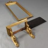 Entremøbel, spejl og konsolbord.