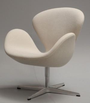 ware 3978838 arne jacobsen sessel 39 der schwan 39 39 brown label 39 von 2014 mit cremefarbenem. Black Bedroom Furniture Sets. Home Design Ideas