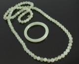 Armring og halskæde, lys jade (2)