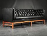 Erik Ole Jørgensen. Fritstående sofa, model EJ-315/3