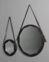 Spejlsæt af læder. (2)