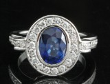 18kt diamond and sapphire ring approx. 0.62ct