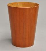 Seweæ spand/ papirkurv af teak. Made in Sweden