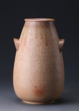 Søholm. Stor vase af stentøj