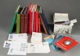 Danmark og Udland. Samling frimærker, bl.a. postfriske og souvenirmapper