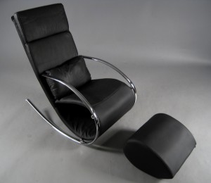 Modernes Italienisches Design Schaukelstuhl Mit Hocker Lauritz Com