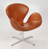 Arne Jacobsen. Svanen. Lænestol, model 3320, nybetrukket
