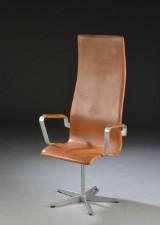 Arne Jacobsen. Højrygget Oxfordstol, brun læder
