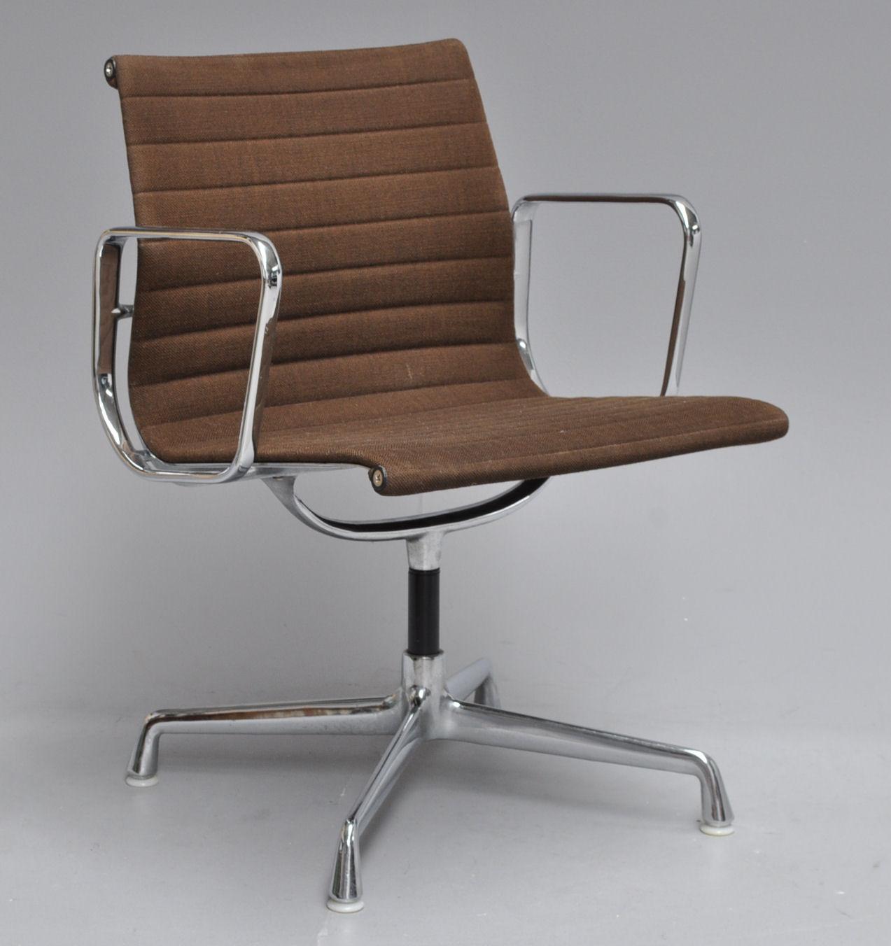 Charles Eames Office Chair Model Ea 108 Herman Miller Lauritz Com