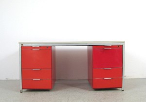 Schreibtisch und b rostuhl der 1960 70er jahre 2 for Schreibtisch 70er jahre